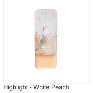 maskcara Makeup - MaskCara IIID foundation highlight white peach